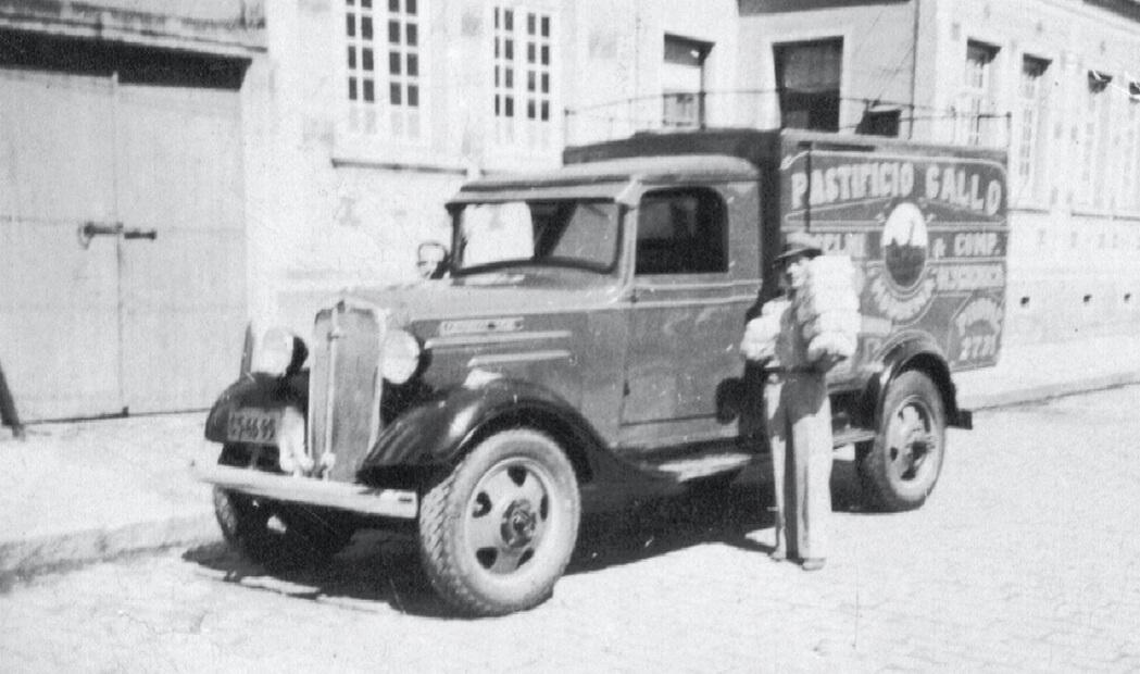 Fotografia Adolpho Selmi delivering pasta in Campinas